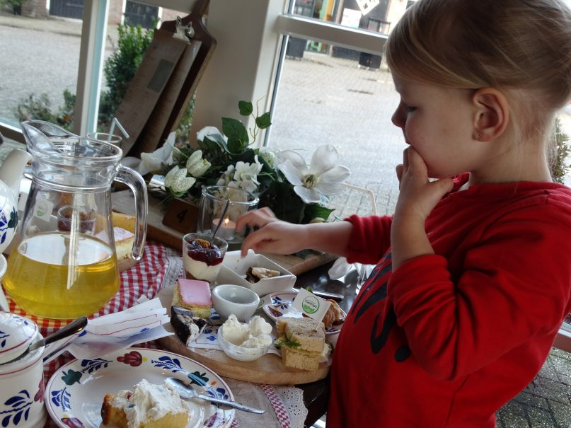New High Tea met kinderen: VETTTE Tip de high tea van Kaamps! @NQ96