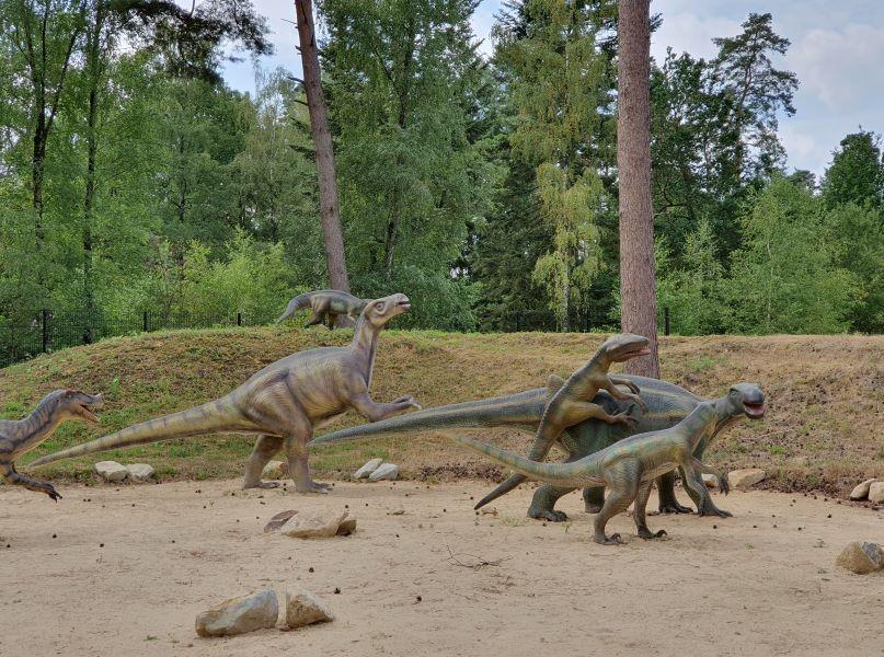 Stoeiende dinosaurussen