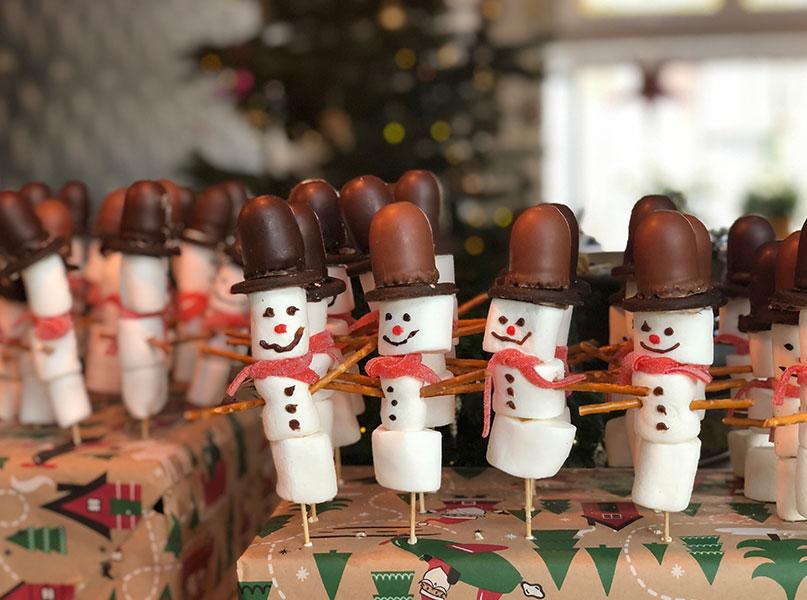 Marshmallow sneeuwpop winter traktatie