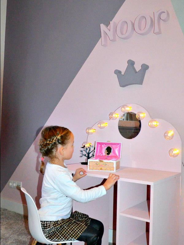inrichting meisjeskamer diy make up tafel