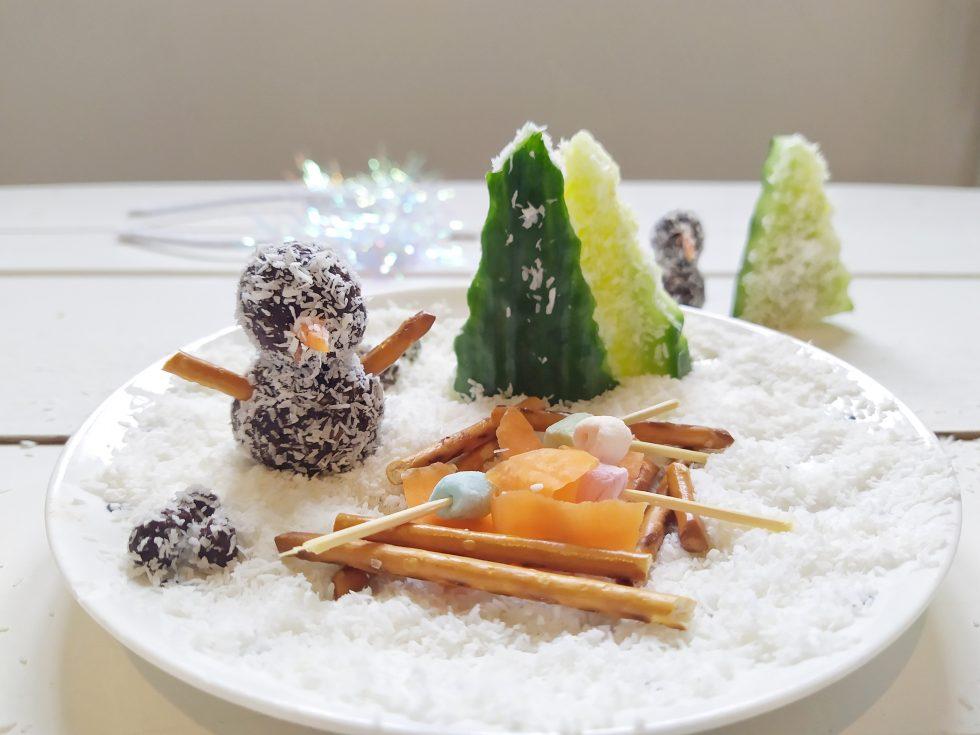sneeuwpopjes van dadelballetjes